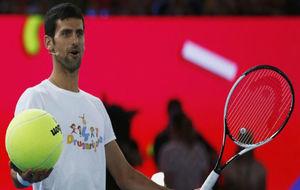 Djokovic, durante un clinic
