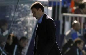 Garitano, cabizbajo en el encuentro ante el Athletic.