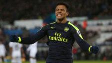 Alexis celebra su gol al Swansea.