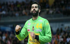 Gonzalo Corrales, portero de la selección española de balonmano.