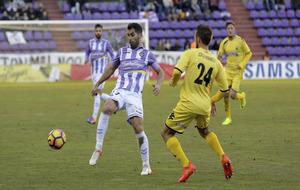 Moyano en una acci�n con el Valladolid ante el Alcorc�n esta...
