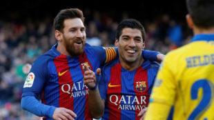Messi y Luis Su�rez, en un momento del partido ante Las Palmas