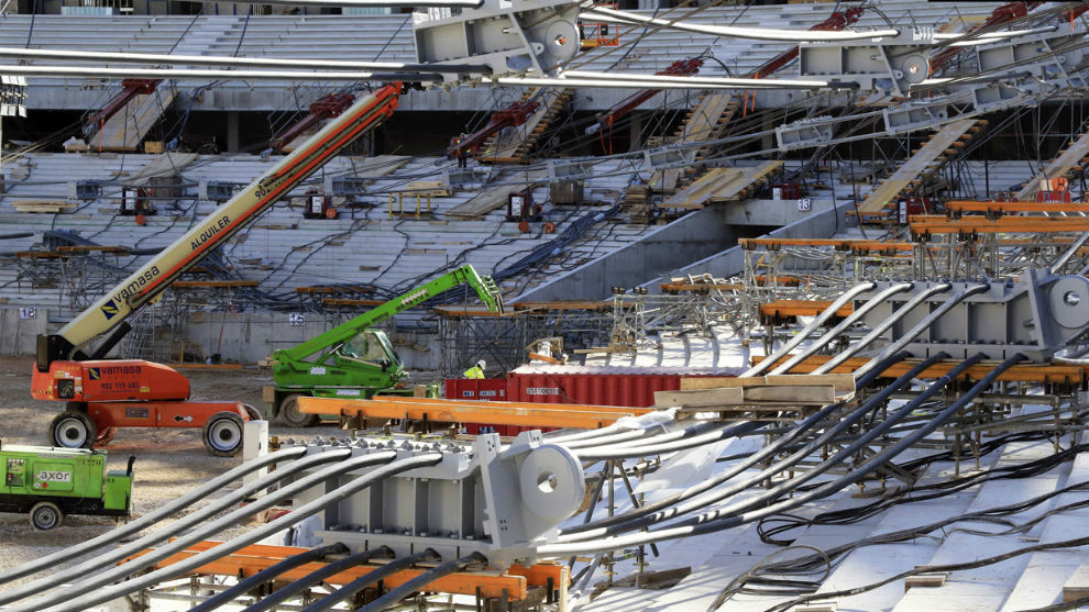 Estadio wanda metropolitano gets covered marca in english for Puerta 3 wanda metropolitano