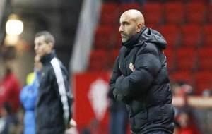 Abelardo, con gesto serio en el encuentro ante el Eibar.