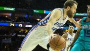 Sergio Rodr�guez jugando con los Sixers