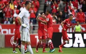Marchesín, decepcionado tras el primer gol toluqueño.