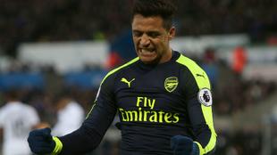 Alexis celebra un gol con el Arsenal.