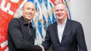 Robben y Rummenigge, en la firma del contrato