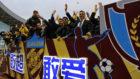 Fabio Cannavaro celebra el ascenso de Tianjin Quanjian a la Superliga...