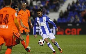 Omar Ramos en un partido de Copa ante el Valencia.