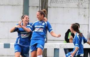Joana Arranz celebra uno de sus goles