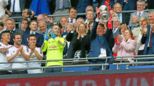 Van Gaal, con la FA Cup.