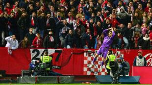 Cristiano Ronaldo celebra el tanto que le hizo al Sevilla en Liga.