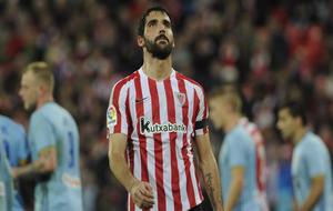 Raúl García durante un partido con el Athletic esta temporada