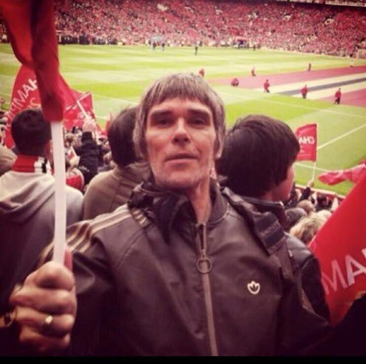 Ian brown (the stone roses) - manchester united | Marca.com