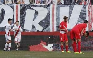 Adrián Embarba celeba el gol ante el Sevilla Atlético que al menos...