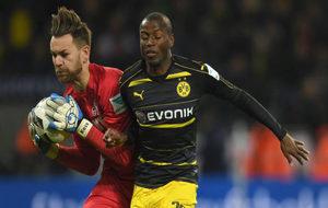 El jugador en un partido con el Borussia Dortmund.