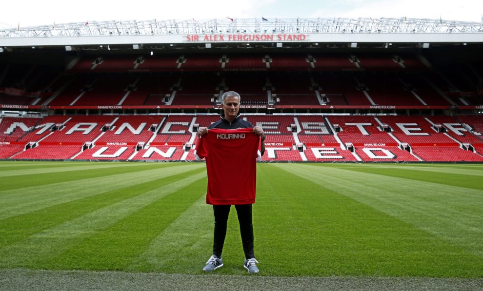 1 manchester united 689m marca english
