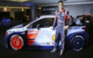 Dani Sordo, con el Hyundai que llevará esta temporada