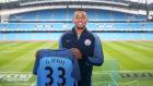 Gabriel Jes�s luce con los colores del City en su nuevo estadio, el...