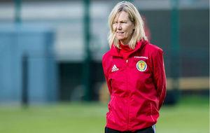 Anna Signeul durante un entrenamiento con la selección de Escocia.