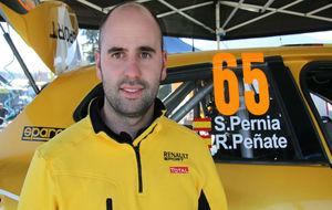 Surhayen Pern�a, junto al Clio del preparador catal�n ASM Motorsport