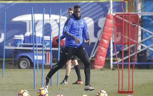 Caicedo durante una sesión de entrenamiento