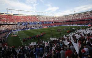El Vicente Calderón celebrando su 50 y último aniversario.
