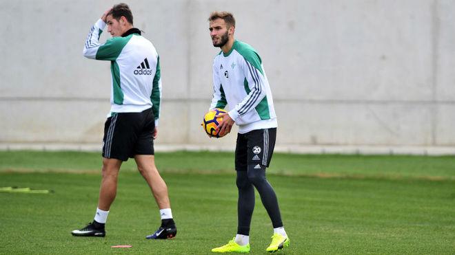 Pezzella estará ante el Sporting pero José Carlos lo tiene muy complicado