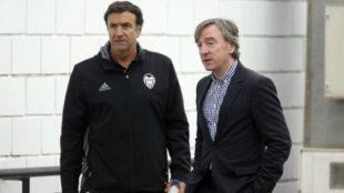 El director deportivo Alesanko, junto a su predecesor, García...