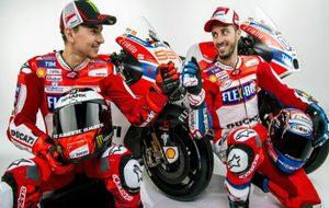 Lorenzo y Dovizioso, con las GP17.