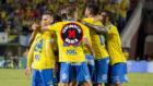 Los jugadores de Las Palmas celebran un gol