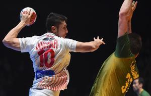 Alex Dujshebaev durante una acción del partido contra Brasil