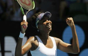 Venus Williams celebra su triunfo ante Barthel