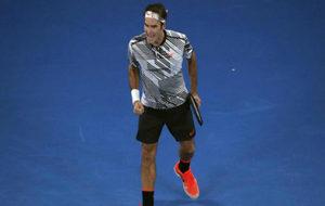 Roger Federer celebra un punto