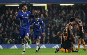 Costa celebra su gol al Hull haciendo gestos.