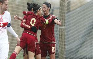 Jenni Hermoso, Vero Boquete y Marta Torrejón celebran un gol de...