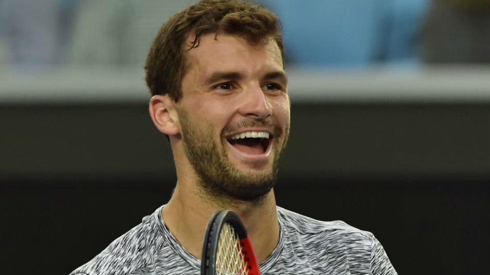 Dimitrov sonríe