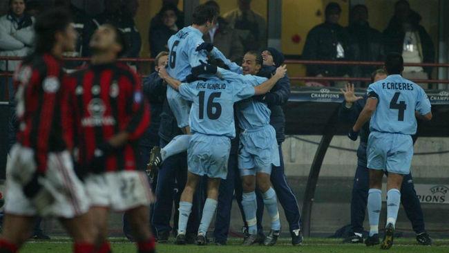 El Celta celebra el gol ante el Milan que le clasificaba para los...