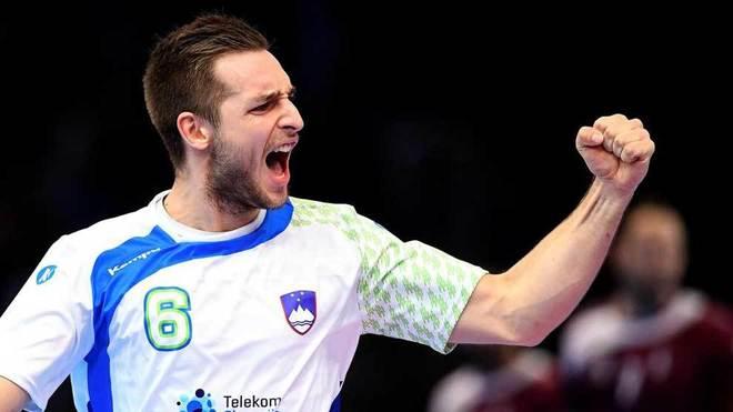 El jugador esloveno Gasper Marguc celebrando el histórico pase a...