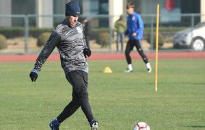 Carlos Tévez durante un entrenamiento con el Shanghái Shenhua.