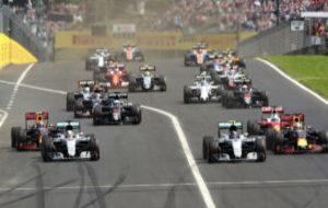 Salida del GP de Hungr�a, en el circuito de Hungaroring, sede de los...