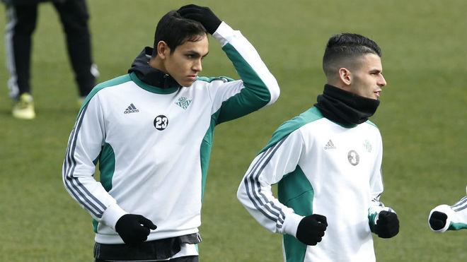 Mandi vuelve al trabajo con el Betis en un entrenamiento sin Jonas ni Cejudo