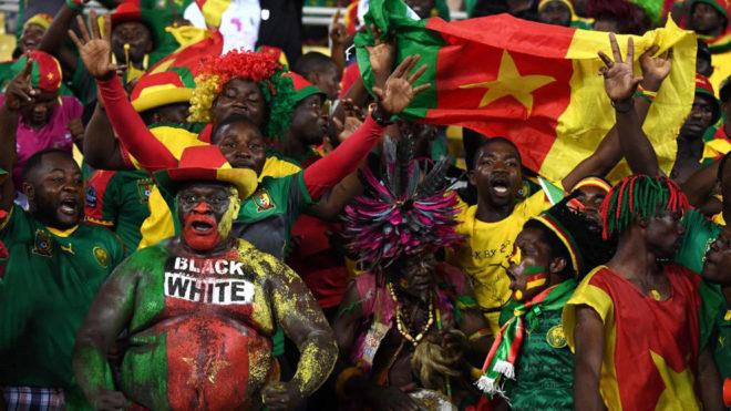 La afición de Camerún ha dado colorido al torneo.