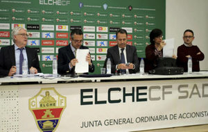 Imagen de la anterior Junta General, presidida por Diego García