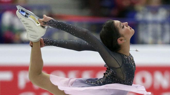 Medvedeva, en pleno ejercicio.