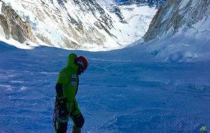 Alex Txikon, en el Everest, en una imagen de archivo