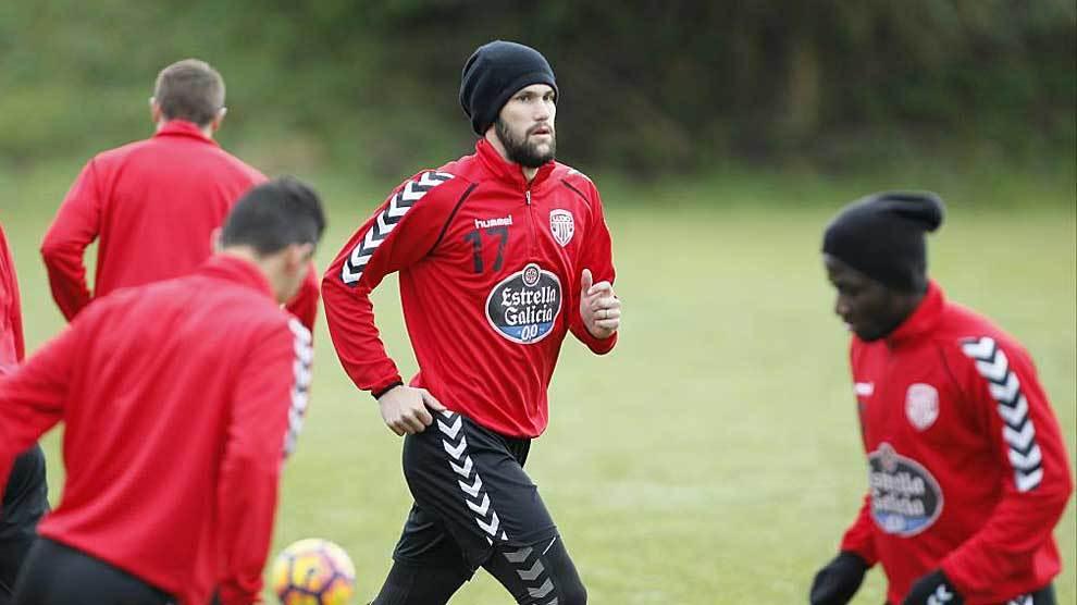 Pedraza, durante un entrenamiento reciente del Lugo