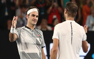 Federer y Nadal se saludan tras el partido