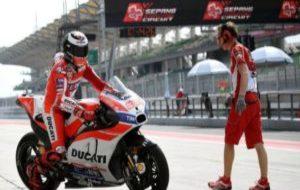 Lorenzo, con la Ducati en Sepang.